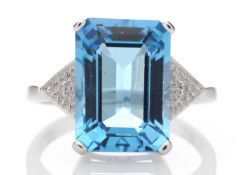 9k White Gold Diamond And Blue Topaz Ring 8.25 Carats