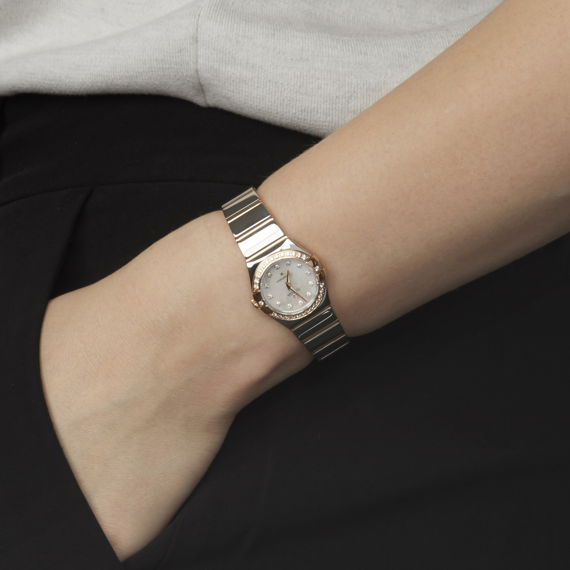 Omega Constellation 0 123.25.24.60.55.005 Ladies Stainless Steel & Rose Gold Diamond Mother Of Pearl - Image 2 of 7