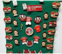 50 X Randomly Picked Manchester United Pin Badges