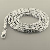 24.4 In (62 cm) Byzantine Chain Necklace. In 14K White Gold