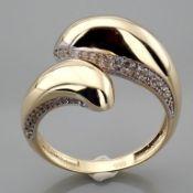 Italian Design Swarovski Zirconia Ring. In 14K Yellow Gold