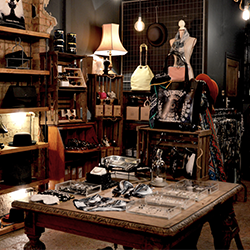 No Reserve Sale I Home & Interiors, Antiques, Collectables & Gifts with Free UK Delivery.