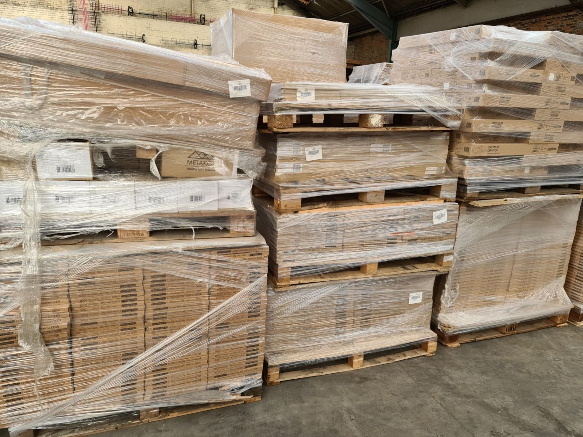Kitchen Distributor Stock Liquidation-Circa 5,040 items of Brand-New Kitchen Goods - Sold As One Lot - Image 11 of 42