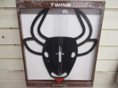 10Pcs X Brand New Quartz Wall Clock Design As Pictured - Similar Rrp £29.99. Each