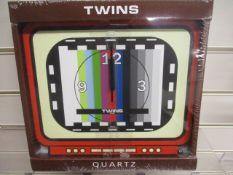 10Pcs X Brand New Quartz Wall Clock Design As Pictured - Similar Rrp £29.99. Each