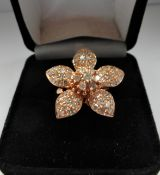 18Ct Rose Gold 5 Leaf Petal Pattern Diamond Ring