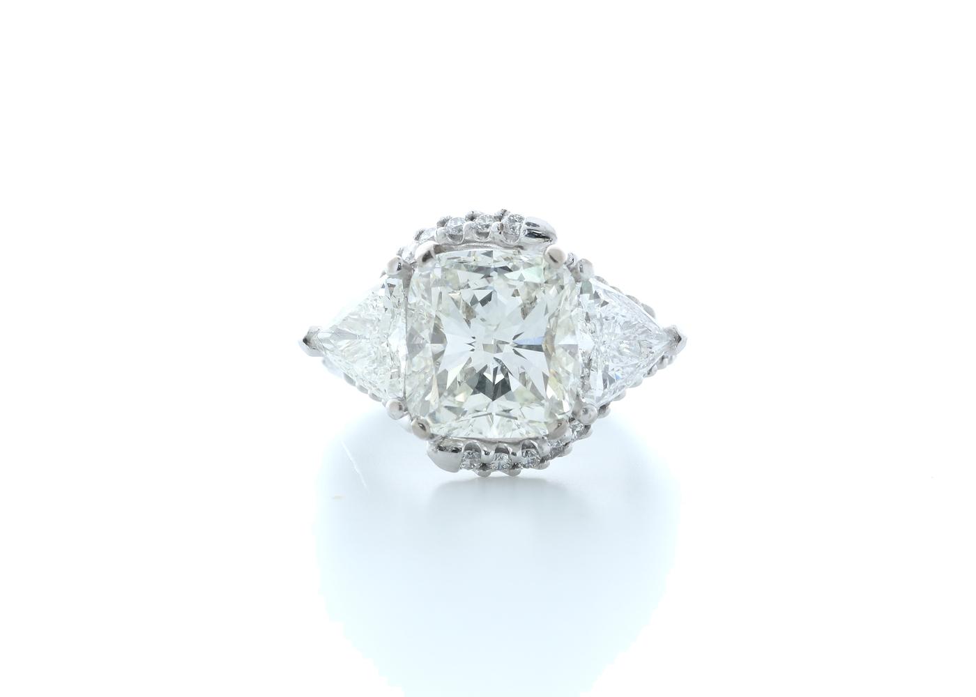 18ct White Gold Cushion Diamond Ring 7.03 (4.51) Carats