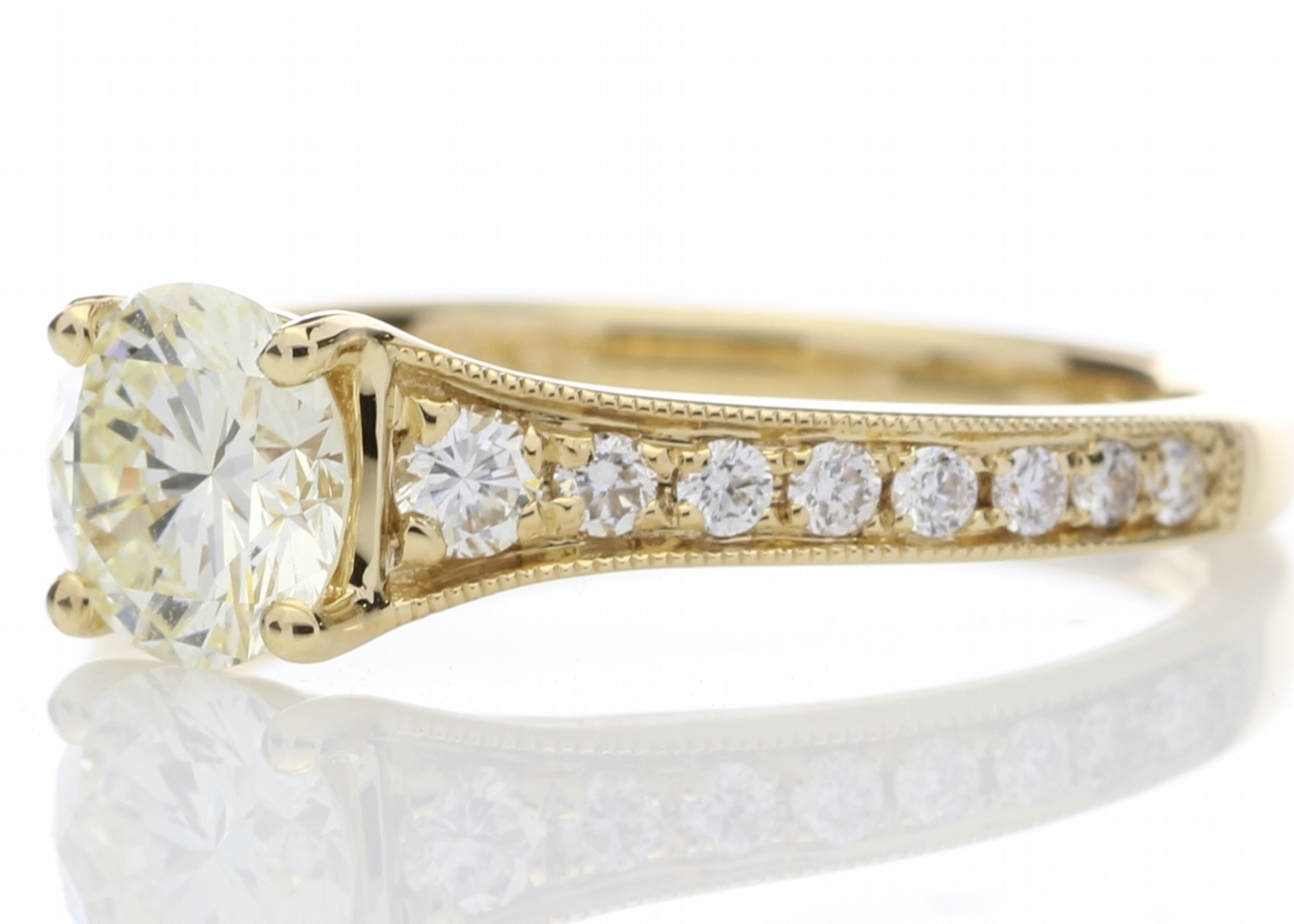 18ct Yellow Gold Diamond Ring With Stone Set Shoulders 1.06 Carats - Image 2 of 5