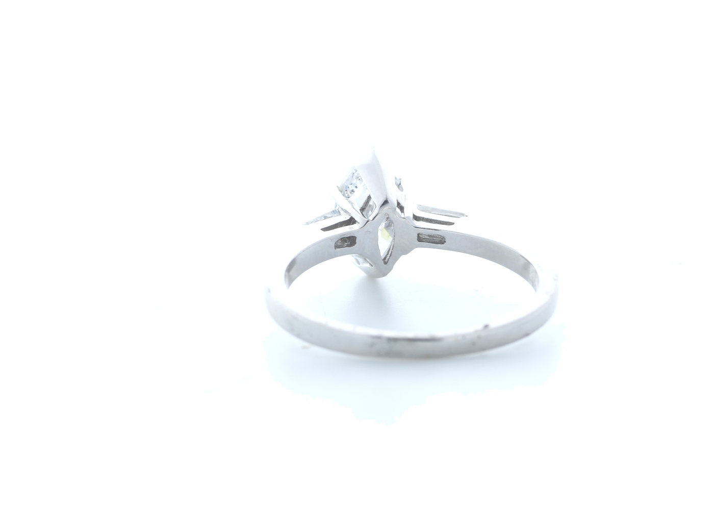 18ct White Gold Marquise Diamond With Stone Set Shoulders 1.22 Carats - Image 3 of 5