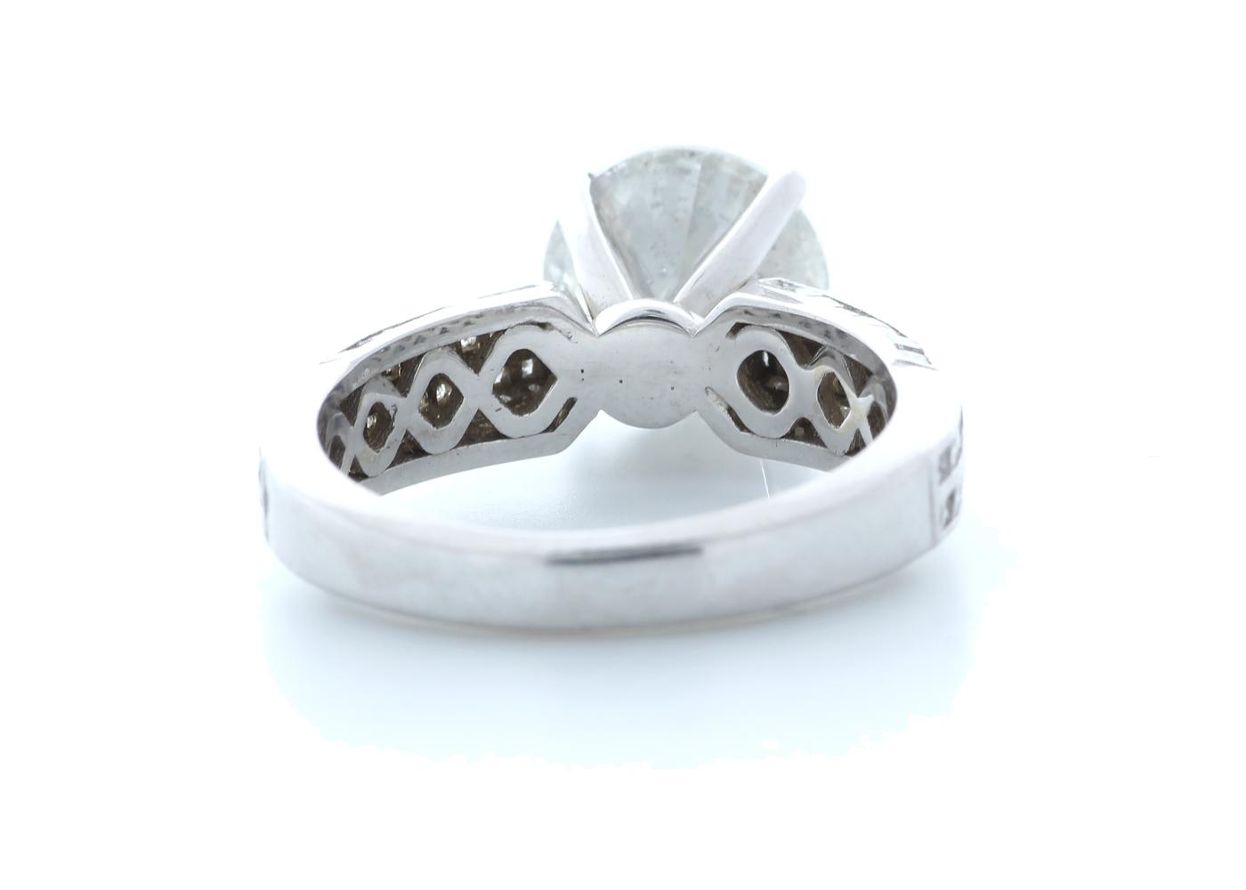 18ct White Gold Diamond Ring 4.51 (3.57) Carats - Image 3 of 5