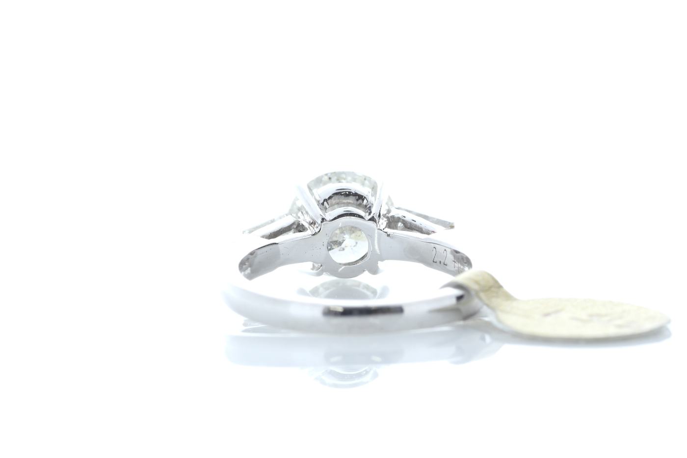 18ct White Gold Baguette Shoulders Diamond Ring 2.20 Carats - Image 3 of 5