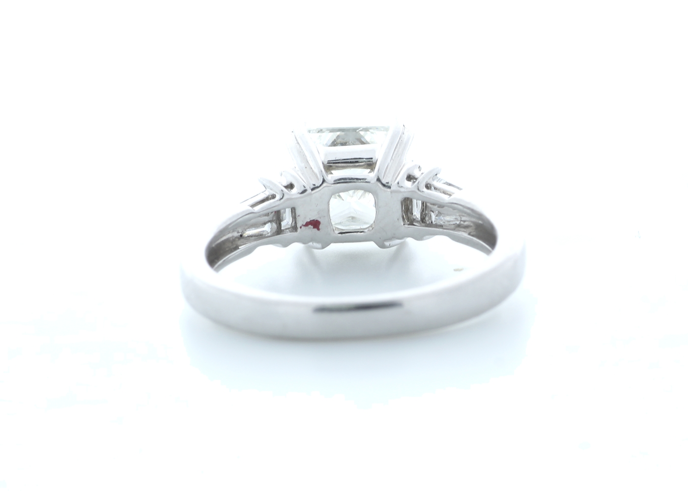18ct White Gold Princess Cut With Stone Set Shoulders Diamond Ring 1.66 (1.51) Carats - Image 3 of 5