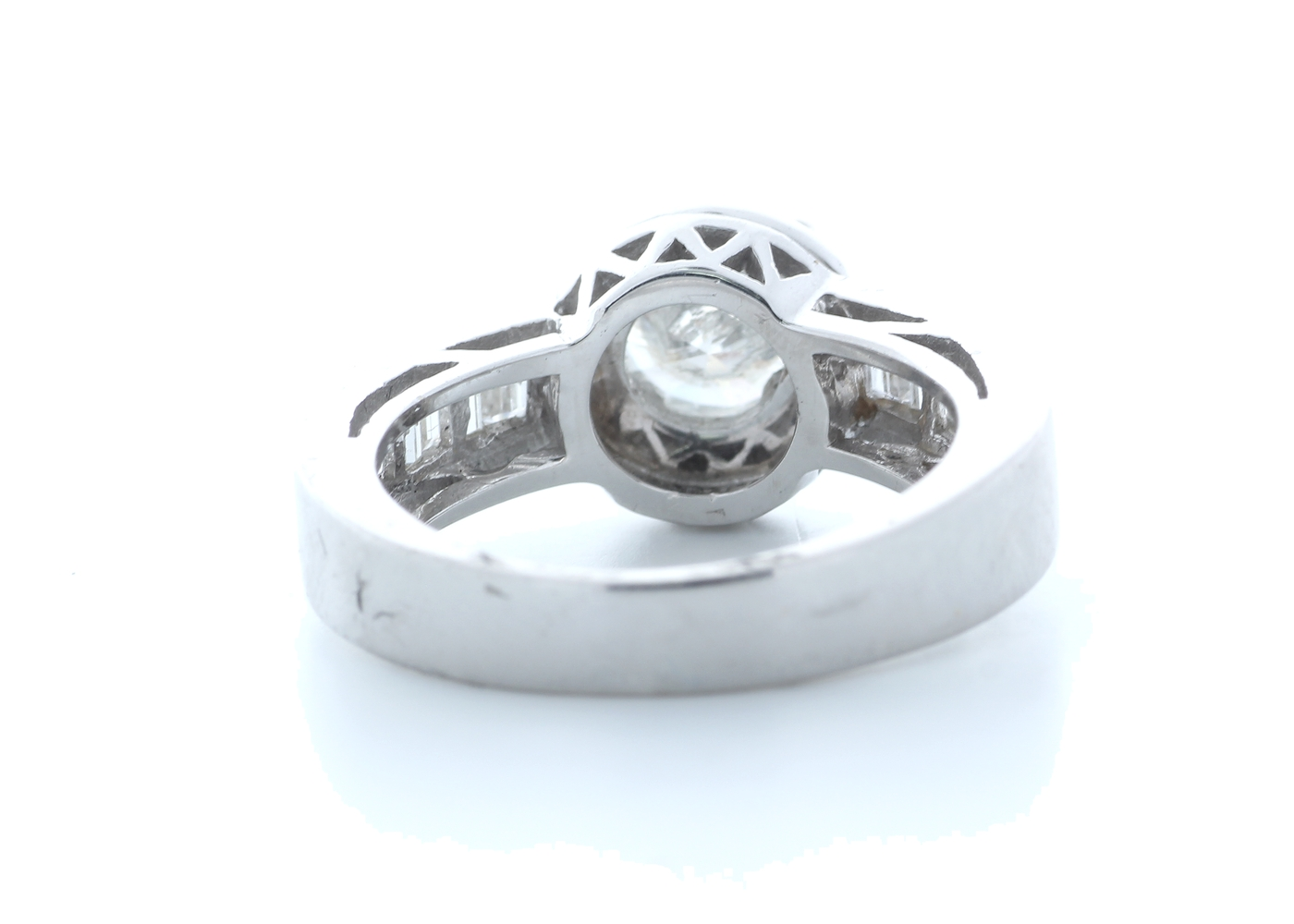 18ct White Gold Single Stone With Halo Setting Ring 2.62 (1.22) Carats - Image 3 of 5