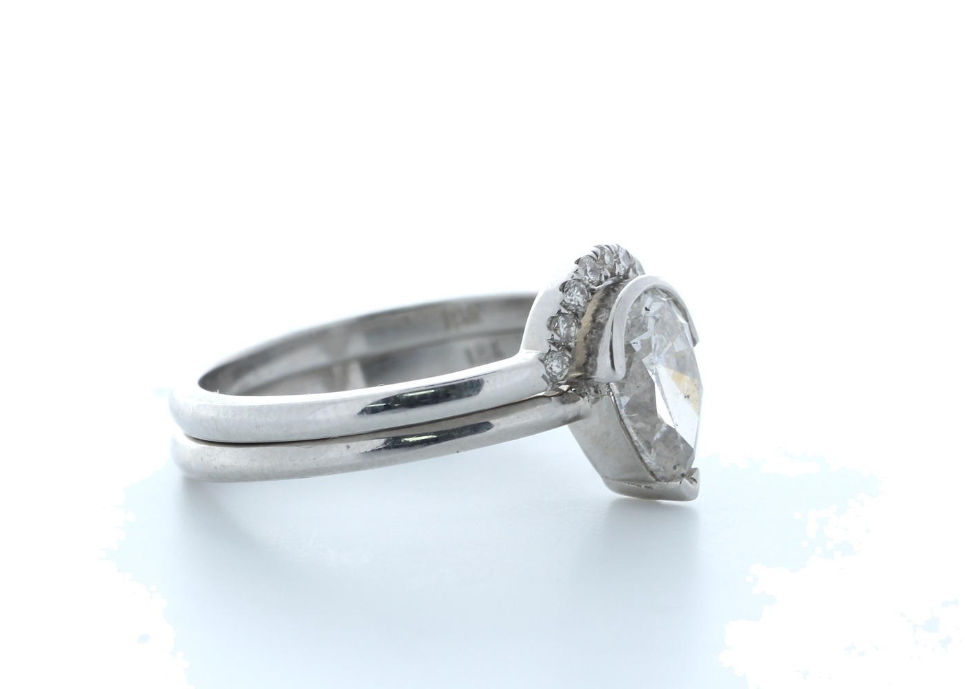 18ct White Gold Pear Shape Diamond Ring With Matching Band 1.16 (1.07) Carats - Image 3 of 4