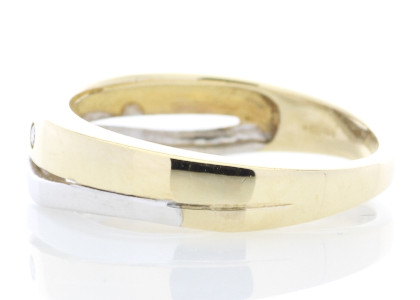 9ct Yellow Gold Single Stone Rub Over Set Diamond Ring - Image 3 of 5