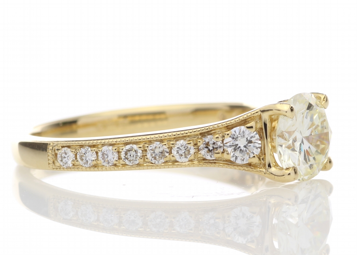 18ct Yellow Gold Diamond Ring With Stone Set Shoulders 1.06 Carats - Image 4 of 5