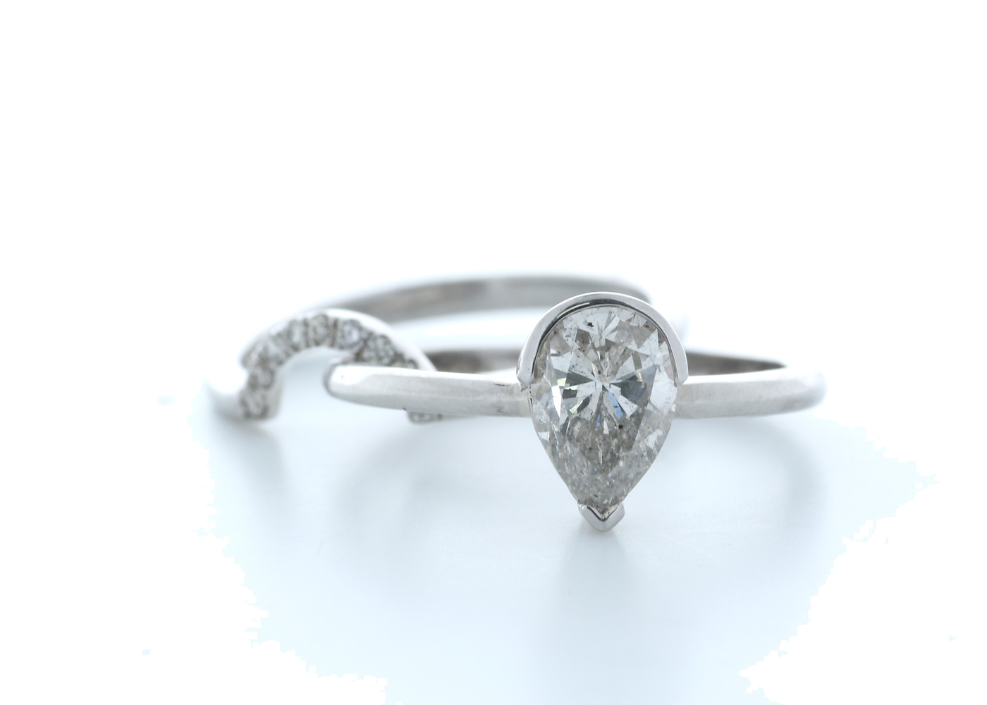 18ct White Gold Pear Shape Diamond Ring With Matching Band 1.16 (1.07) Carats - Image 2 of 4