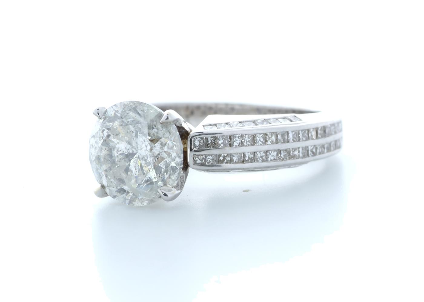 18ct White Gold Diamond Ring 4.51 (3.57) Carats - Image 2 of 5