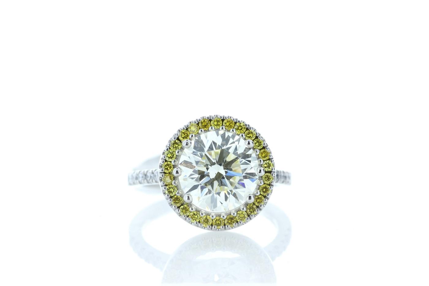 18ct White Gold Halo Set Diamond Ring 3.43 Carats