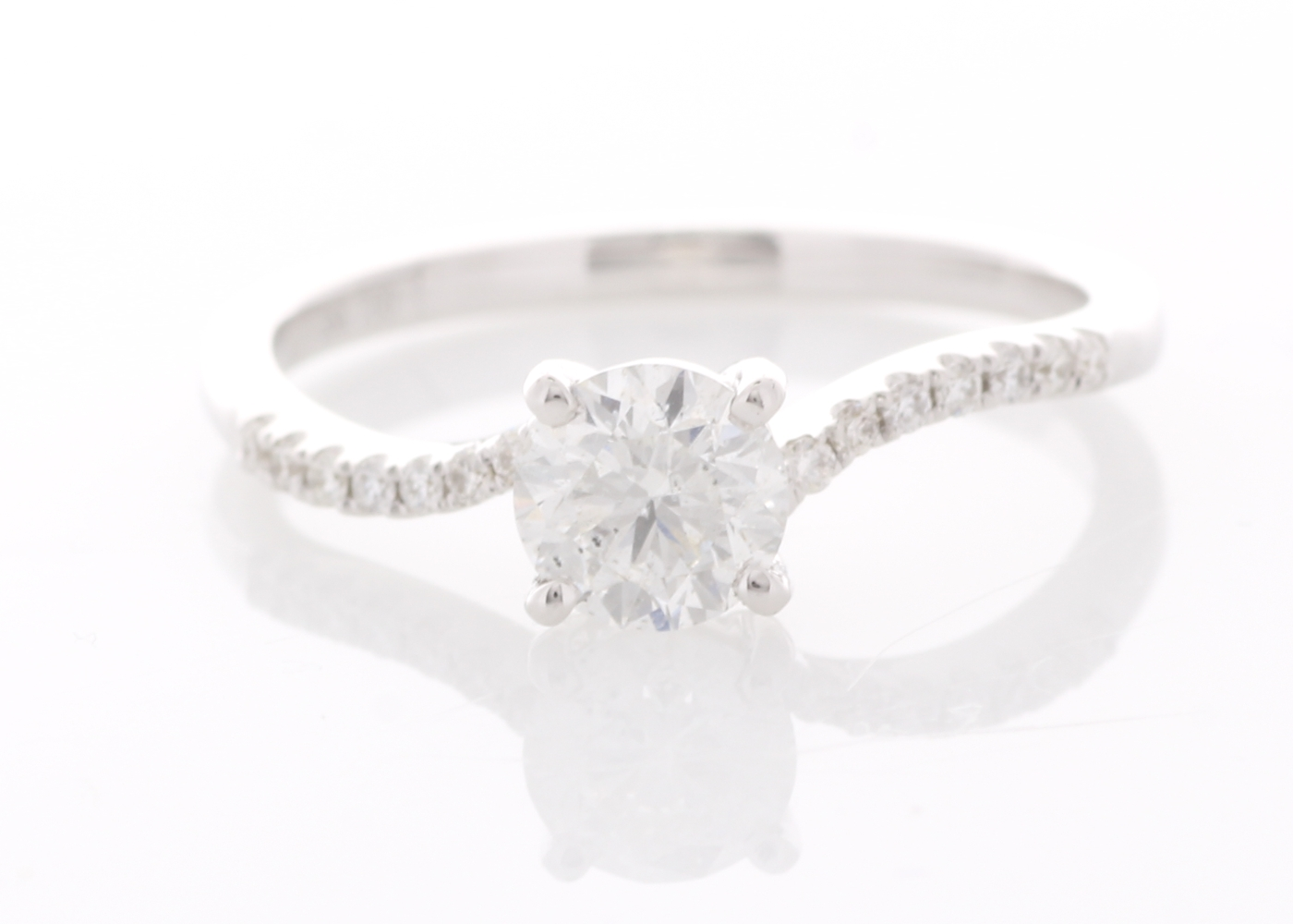 18ct White Gold Prong Set With Stone Set Shoulders Diamond Ring 0.73 Carats
