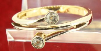 Vintage 18ct Yellow Gold (750) Diamond Crossover Ring