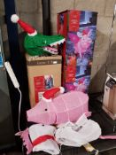 3 Full Items Ð 2 X Mains Operated Flying Pig Light, 1 X Mains Operated Crocodile Light & Unicorn &