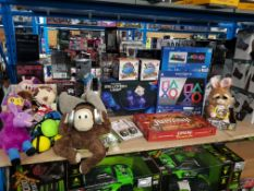 Approx. 25 Items Ð Mixed Lot To Inc 11 X Squeezamals, 2 X PlayStation Icons Light, 1 X Feisty Pet, 1