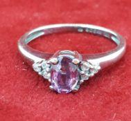9ct (375) White Gold Pink & White Stone Dress Ring