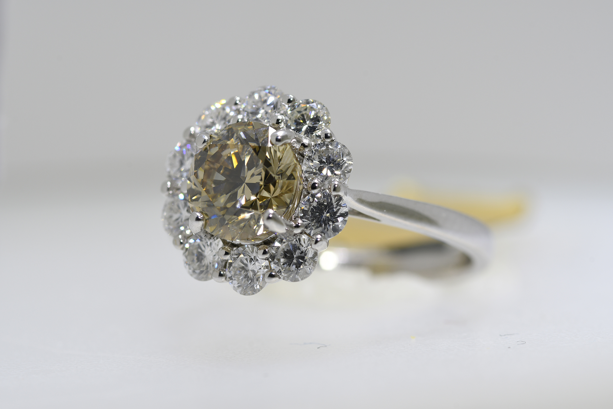 Cognac & White Diamond Ring - Image 3 of 4