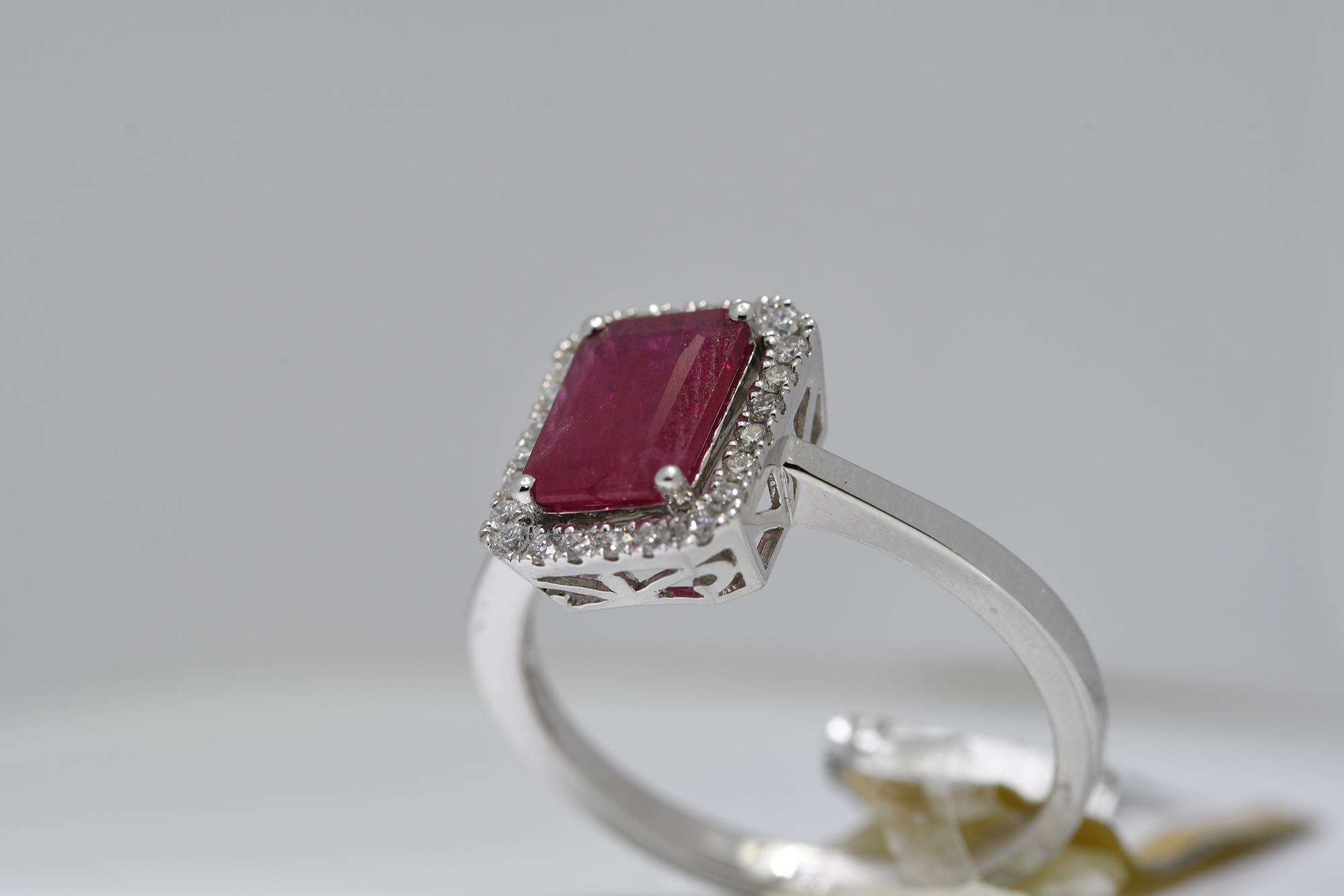 Ruby & Diamond Ring - Image 3 of 3