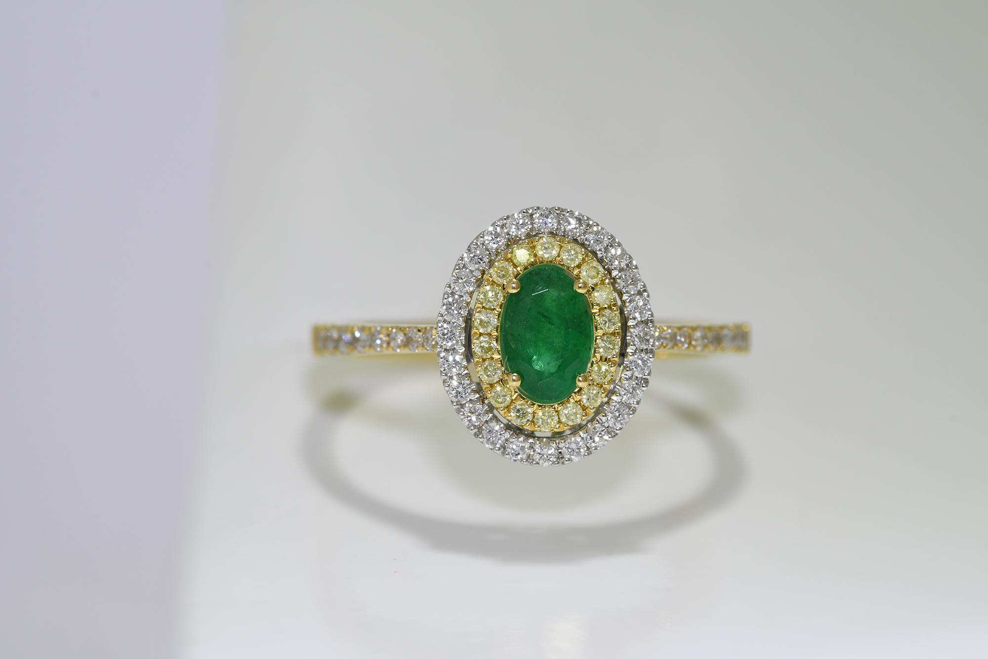 Emerald, Yellow & White Diamond Ring - Image 3 of 3