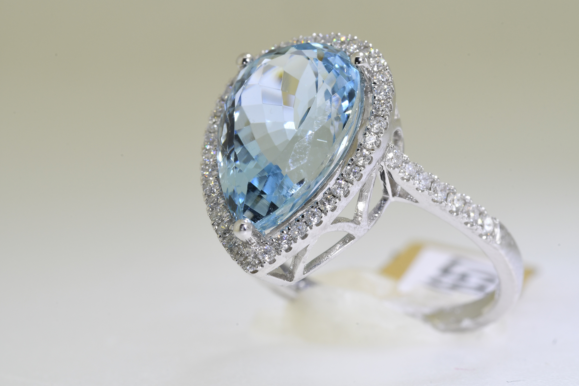 Aquamarine & Diamond Ring - Image 2 of 5