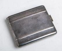 Zigarettenetui, Kraftalpacca, Metall versilbert, ca. 9 x 8 cm. Gebrauchsspuren.