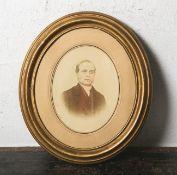 Altes Herrenportrait (wohl 19./20. Jahrhundert), teils zusätzlich übermalt,