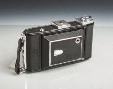 """Klappkamera von Carl Zeiss, Compur-Rapid, Nr. F95488 / IKonta 521/2, Objektiv """"Tessar"""" von"""