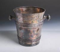 Stand-Sektkühler (wohl 1920er Jahre), Metall versilbert, gestempelt: Gebr. Hepp 90, Gravur