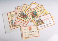 Konvolut von 54 Weinetiketten aus den 1950-70er Jahren (Rheingau). Diverse altersgem.Zustände.