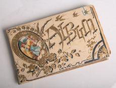 Poesiealbum (um 1900), handschriftliche Eintragungen m. div. Bildern beginnend im Jahr1919,