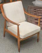 Armlehnstuhl (wohl 1970er Jahre), aus massivem Tropenholz, Rücken sowie Sitz gepolstert(Auflagen),