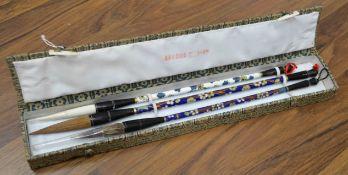 Pinselset für Kalligraphie und Tuschmalerei (wohl Japan), mit drei sehr feinen Pinseln,Sho Un,