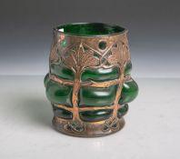Glasgefäß im Jugendstil, grünes Glas m. Kupferblech übersponnen, gestempelt: Cobral Ware /Pat.