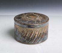 Deckeldose (Jugendstil, um 1900), Messing versilbert, Ranken- u. Meeresdekor, gestempelt: