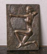 Unbekannter Künstler (wohl 1950/60er Jahre), wohl Darstellung Dianas knieend mit Bogen,Bildplatte