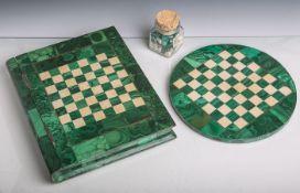 Schachspiel, grüne Terrazzo-Platte m. Malachit-Stücken, Spielflächen m. Malachit bzw.hellem (Kunst-)