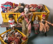 Sehr großes Konvolut an verschiedenen exotischen Puppen (überwiegend aus Asien), insgesamt40