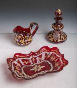 Konvolut von drei Glasteilen aus der Zeit des Biedermeiers (1. Hälfte 19. Jahrhundert),alle Teile in