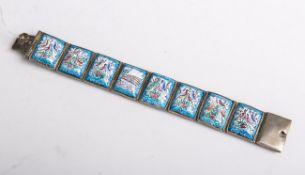 Armband (Persien, 19./20. Jahrhundert), Metallfassung m. 8 Emaillebildplatten, Fassunggestempelt (