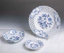 Konvolut von 3 Schalen (Meissen, Knaufzeit, blaue Unterbodenmarke), Zwiebelmuster,