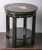 Runder Beistelltisch (China), schwarzer Fond, farbige Lackmalerei, Dm. ca. 50 cm, H. ca.