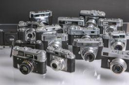 Gr. Konvolut von alten Kameras, 20 Stück, div. Hersteller u. Baujahr, u.a. Kodak, Braun,